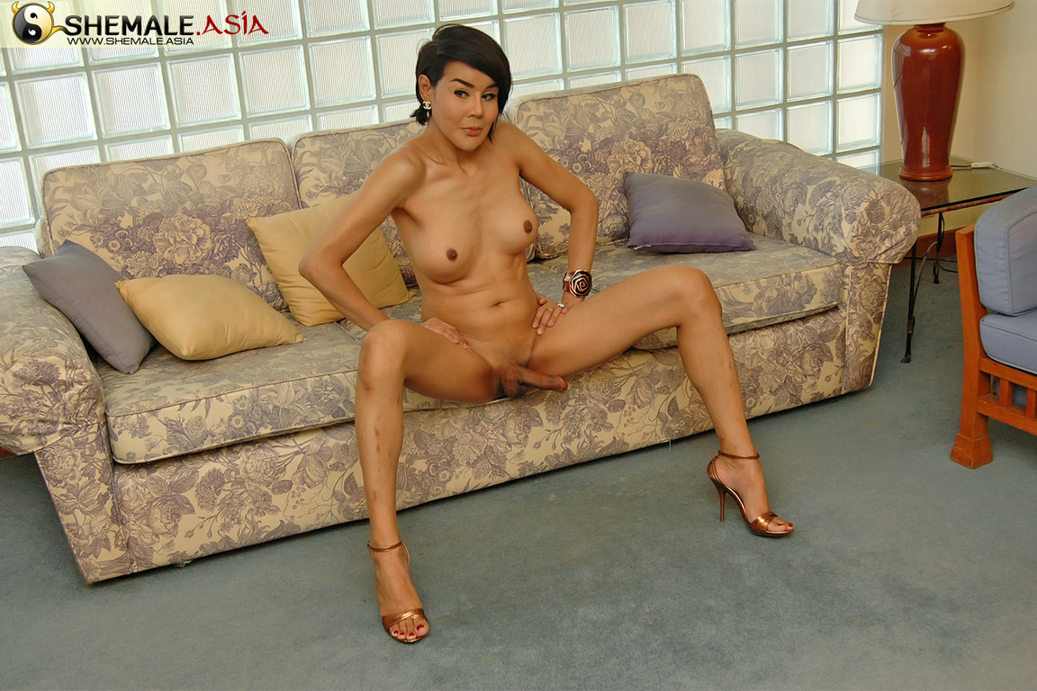 MILF Ts Caught Wanking Her Sensual Tool