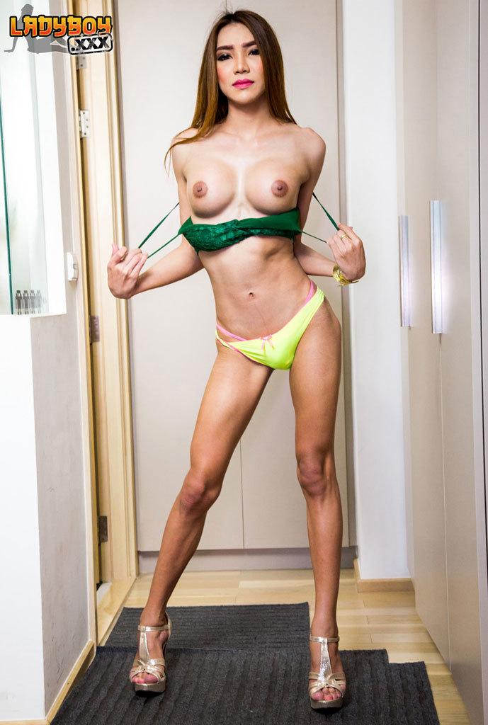 Sensual Maky Strips And Wanks