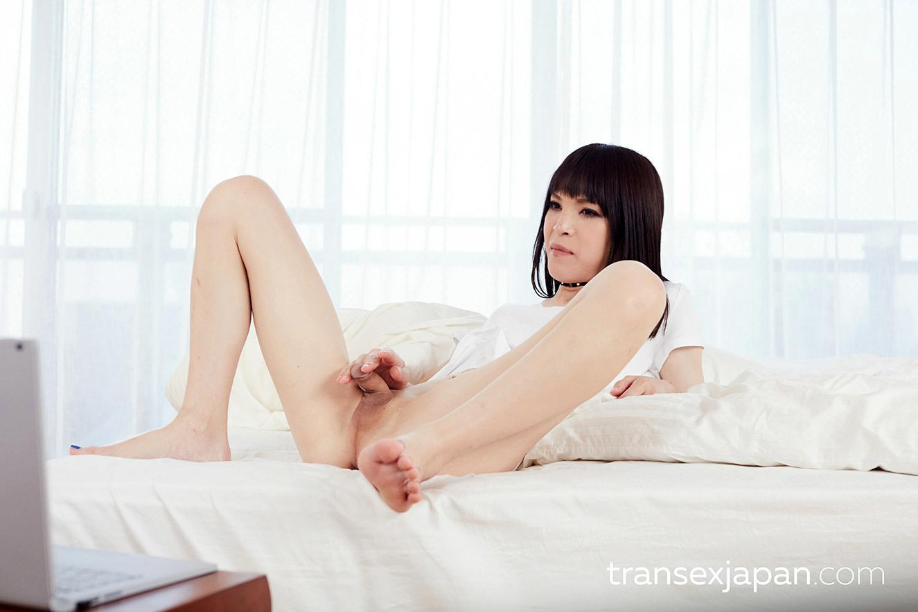 Beautiful Transexual Has Great Time Playing With Her Penis