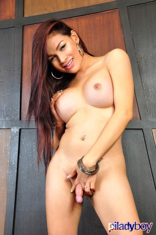 Seductive Thai T-Girl Rides A Cock Of Her Neighbor
