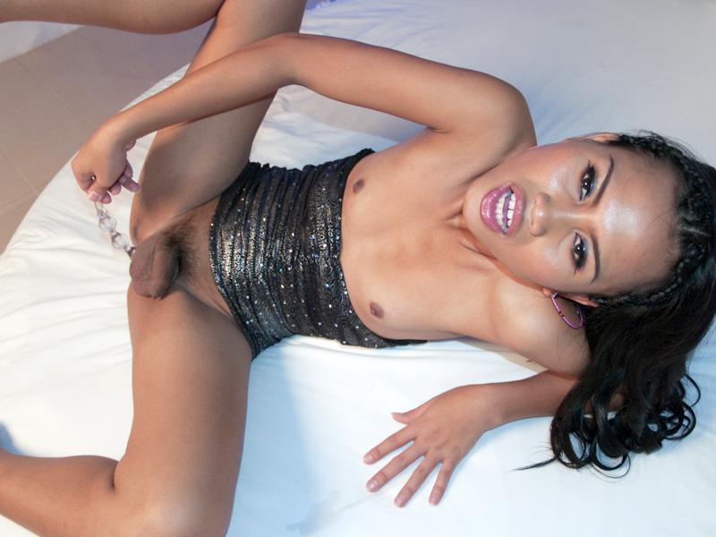 Breathtaking Tgirl Babe Busty May Gets Seduced