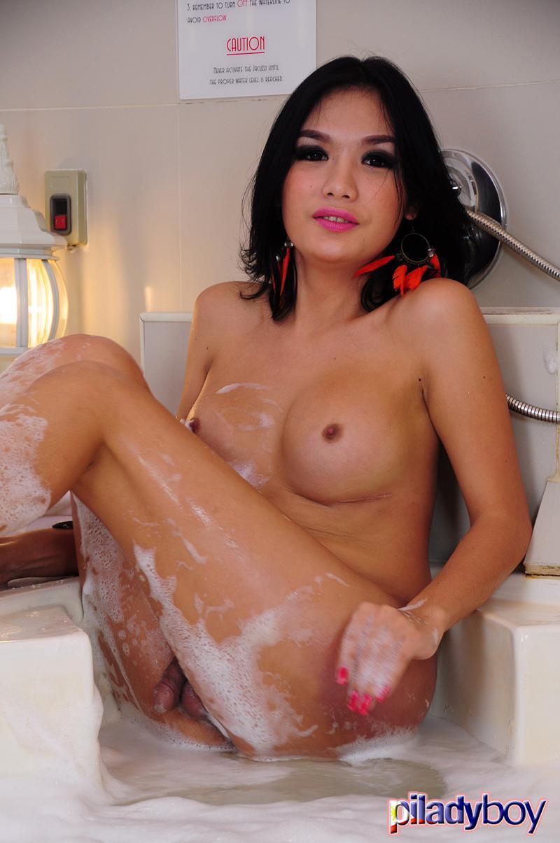 Asian Ladyboy Self-fucking