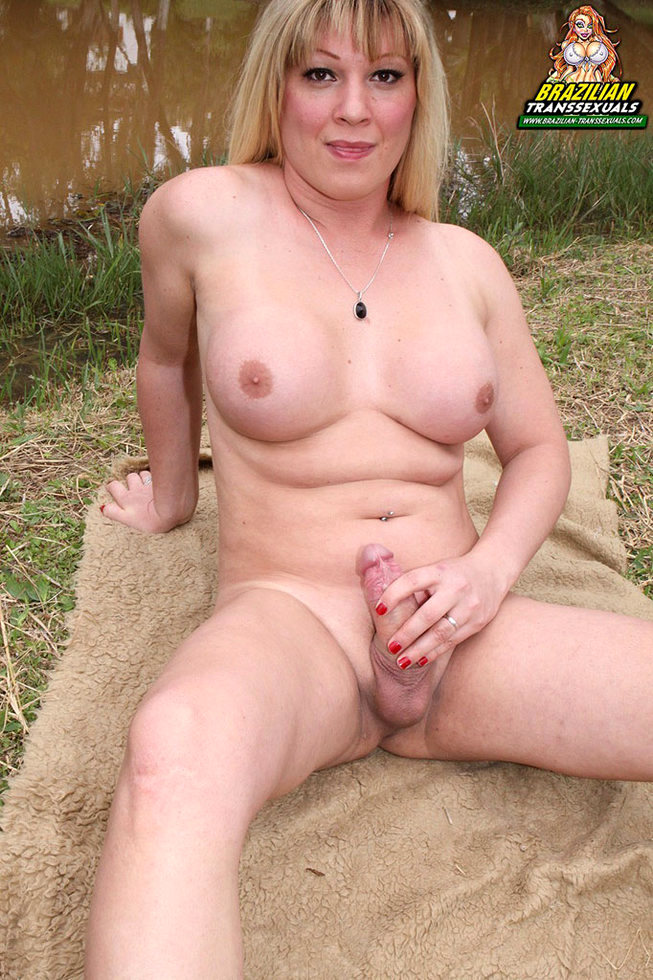 Brazilian Tgirl Duda Dihil
