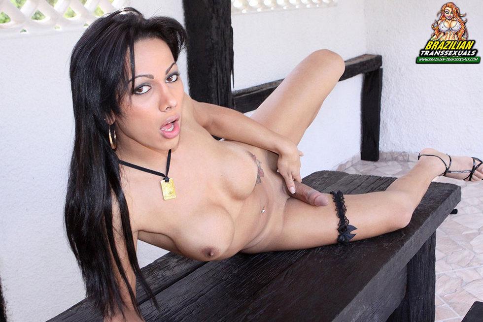 Brazilian T-Girl Nicole Navarro