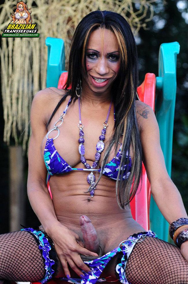Brazilian Ladyboy Allana Close