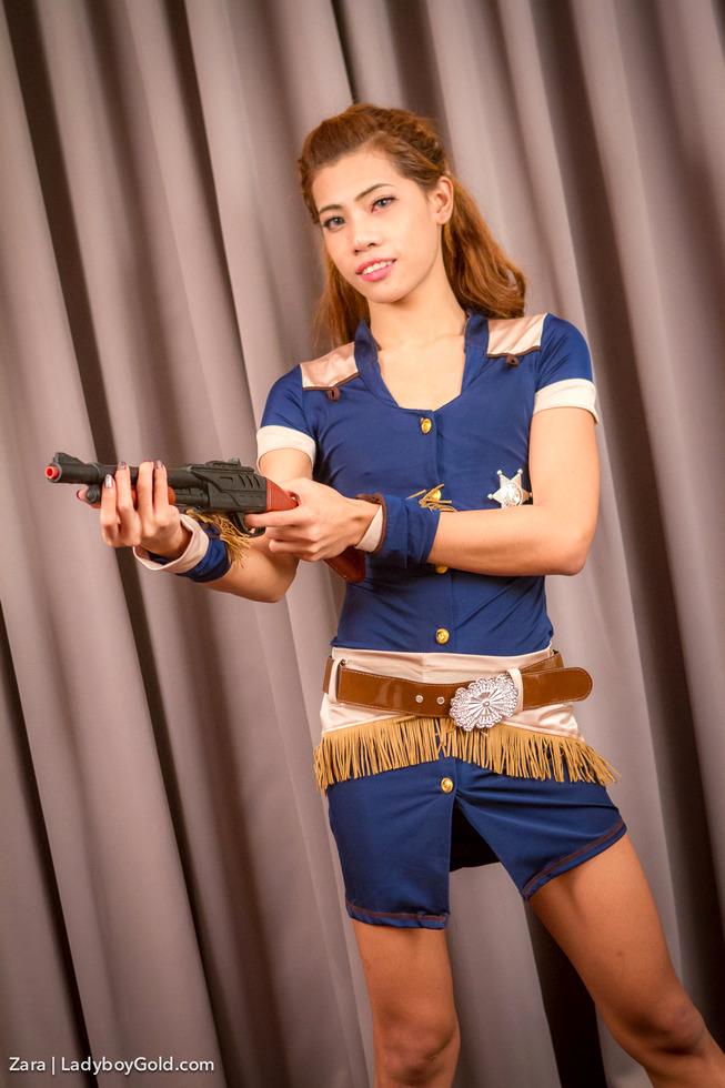 Bangkok Transexual Zara - Zara Shes The Sherriff