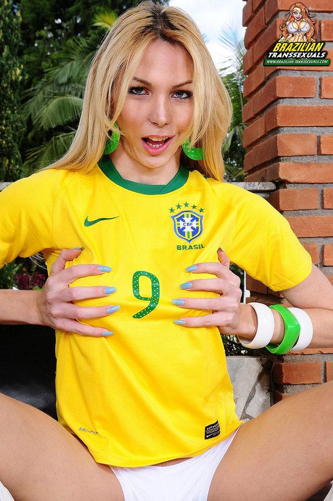 Brazilian T-Girl Lavinny Albuquerque