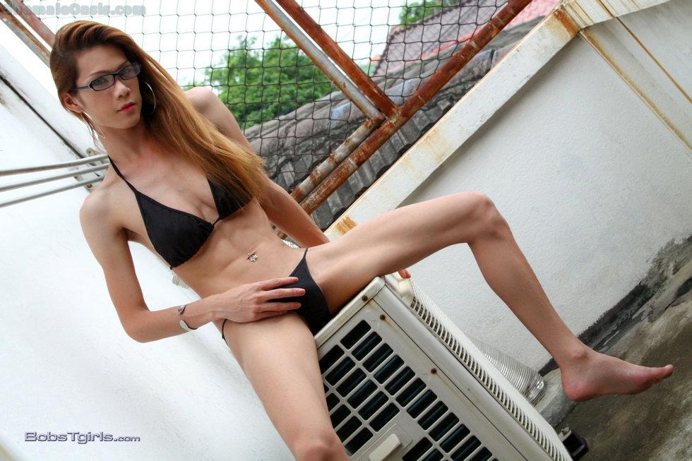 Thai T-Girl Toi - Toi Black Bikini