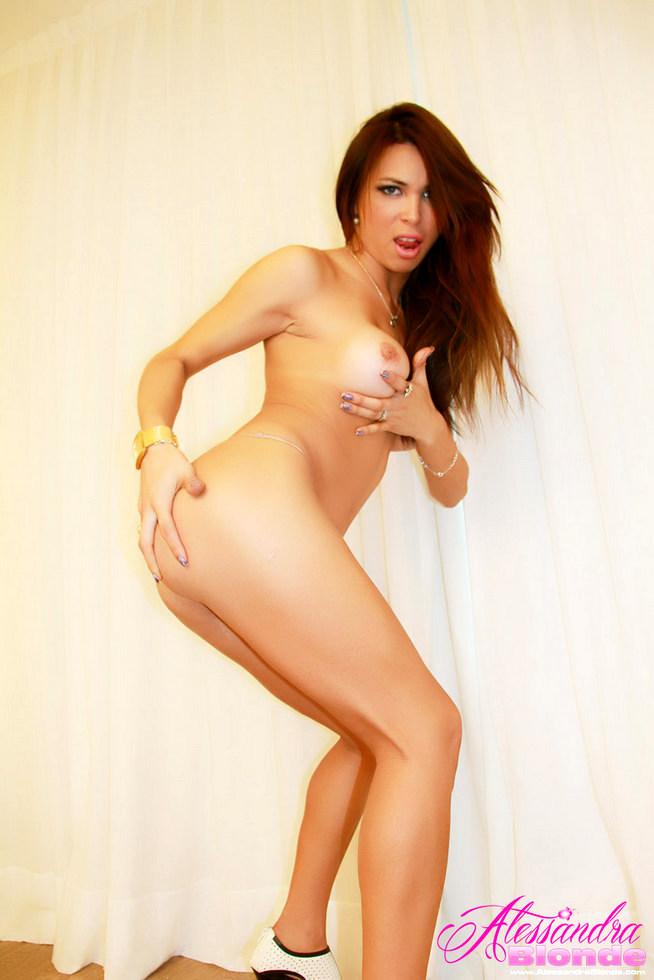 T-Girl Alessandra Blonde - Huequitos