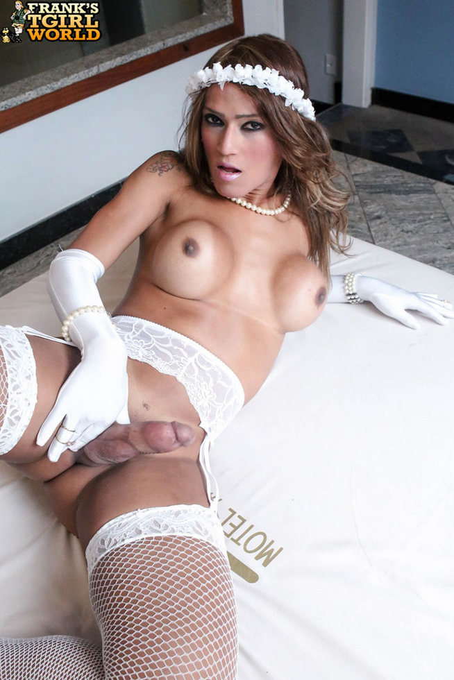 T-Girl Nicoly Nogueira