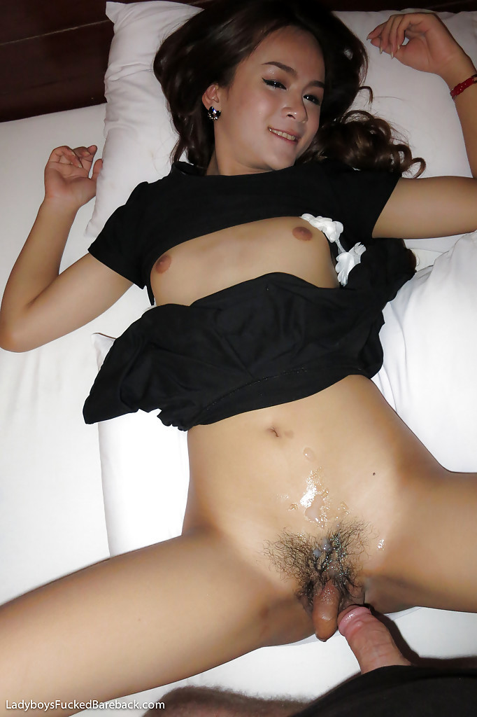 Perfect Teen T-Girl Narnar Squeezing Jizz From Dick After Taking BB Anal