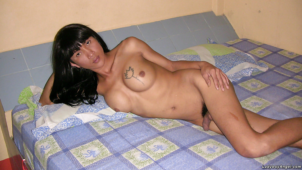 Nude Transexual Wanks Herself In Oil Making Her Hairy Pussy Pure Old