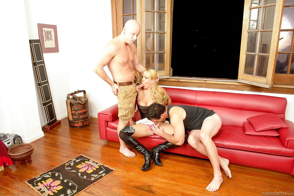 Blonde Latina Shemale On Male Threesome With Tool Sucker Pamela M