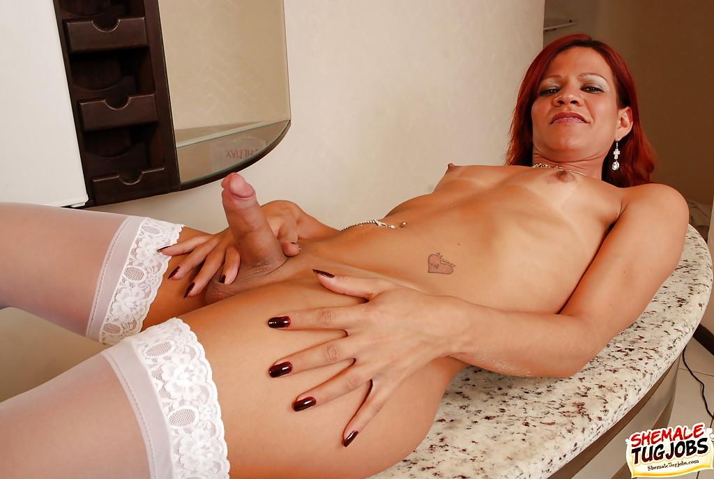 Huge Penis Solo T-Girl Paolla Felix Jerking In Stockings