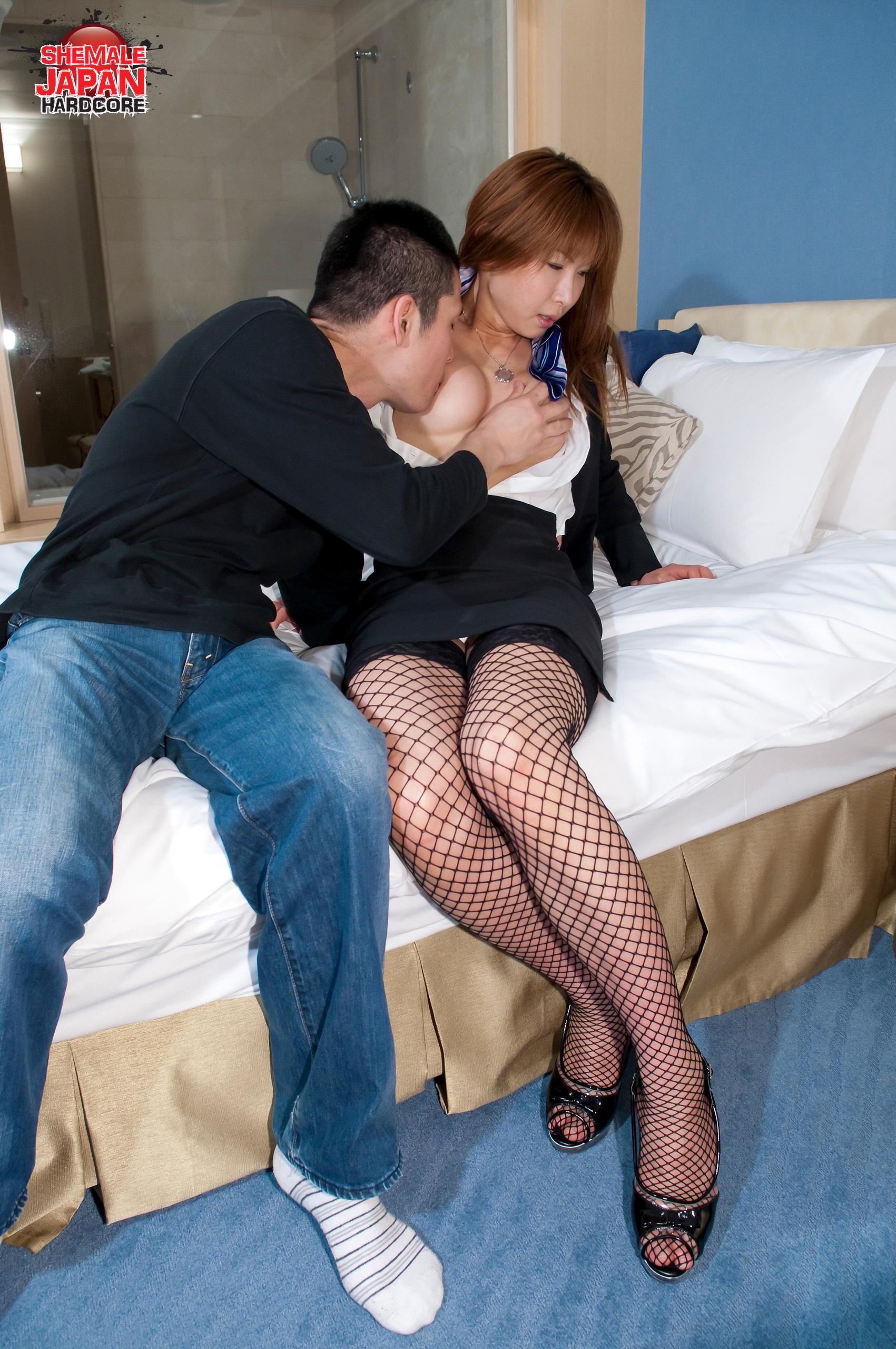 Miki Mizuasa Desires Raw Fucking!
