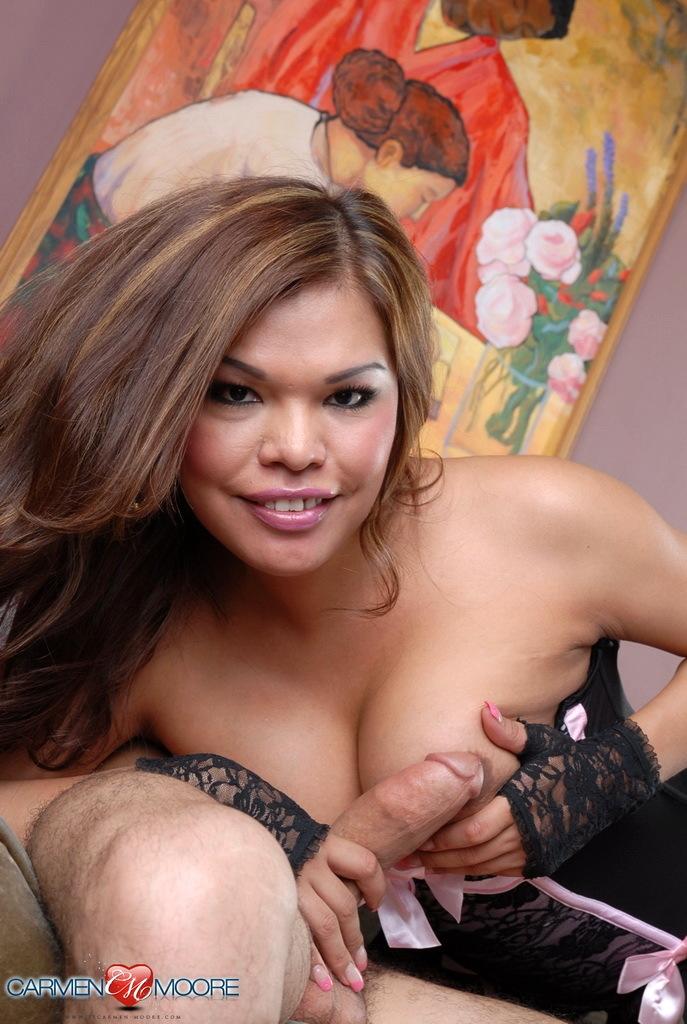 Unbelievable Carmen Moore Sucking Cock On A Massive Dick