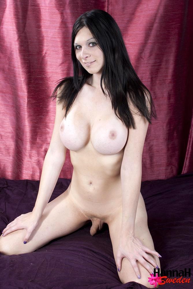 Hannah Sweden Strips Off Her Bikini Showing Her Huge Breasts