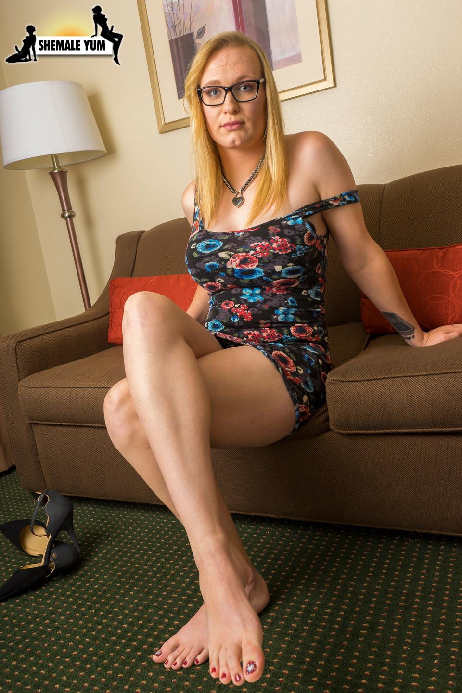 Arousing Blonde Sarah Silver!