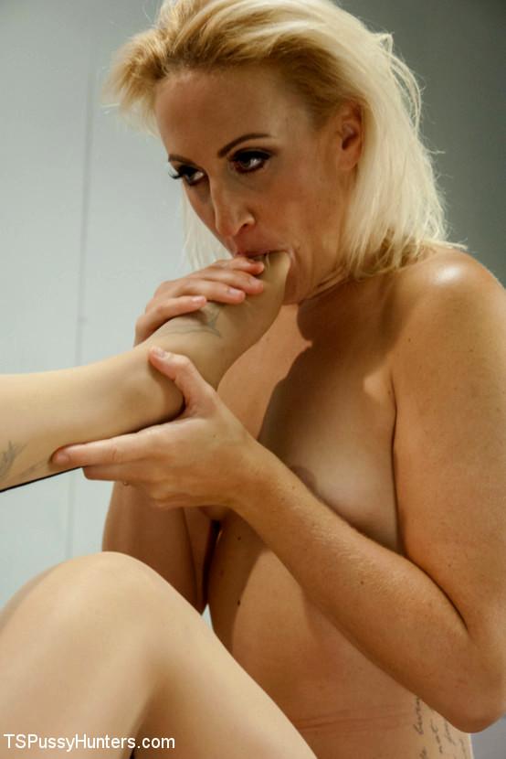 Nurse Sex - Girl On Femboy Girl Action In The Hospital