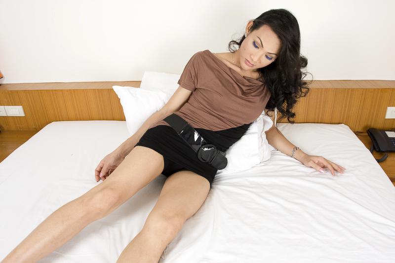 Titillating T-Girl Ann Rubs Her Fat Dick And Jizzes