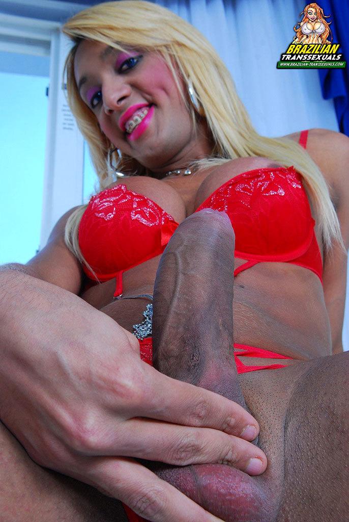 Naughty Tgirl Who Enjoys To Top!