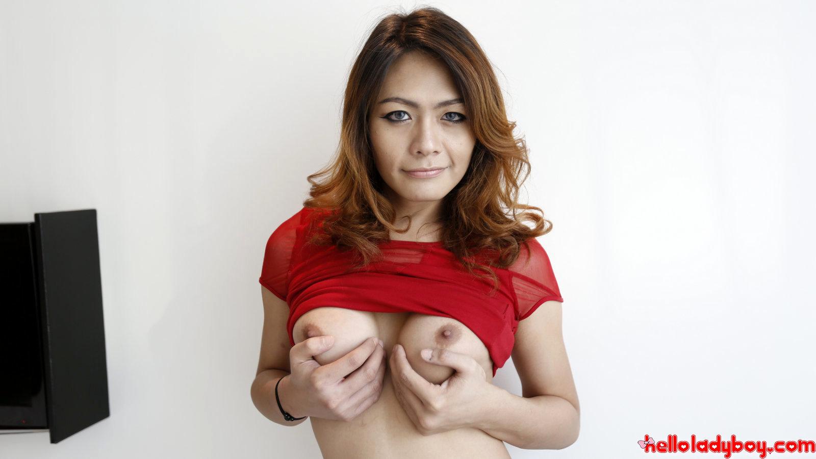 26 Year Old Asian Tranny Sucks Off Tourist Tool